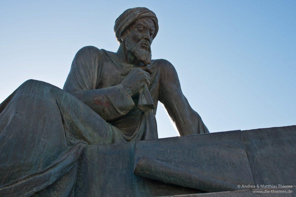 Denkmal Muhammad ibn Musa al-Chwarizmi